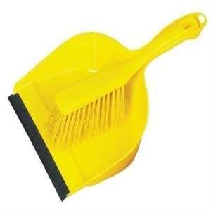 limpieza con cepillo y recogedor
